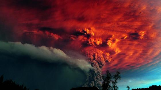 Volcanic eruption in Puyehue National Park, Chile wallpaper