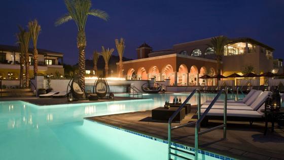 Swimming pool at night wallpaper