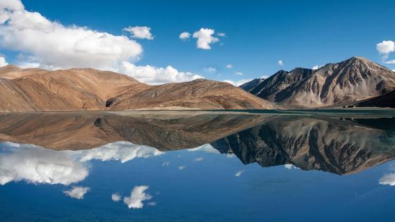 Pangong Lake (Pangong Tso) - Jammu Kashmir, India wallpaper