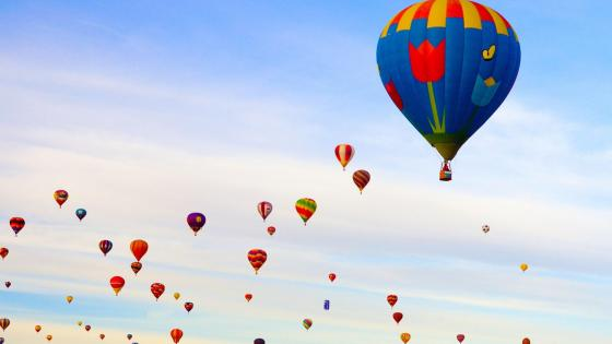 Hot air balloons on the sky wallpaper