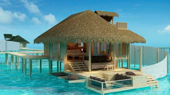 Overwater bungalows in the Olhuveli Island, Maldives wallpaper
