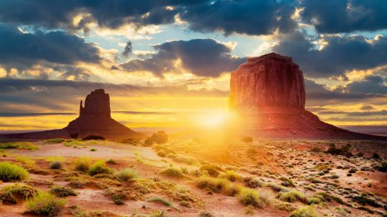 Sunset in Monument Valley wallpaper