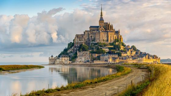Le mont St Michel from the shore of the river Couesnon wallpaper