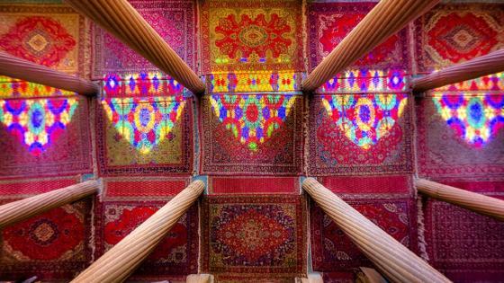 Columns and colors - Nasir al-Mulk Mosque wallpaper