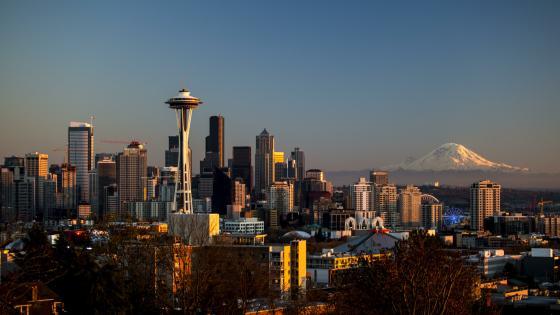 Seattle cityscape with the Mount Rainier wallpaper