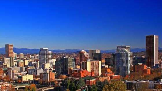 Blue sky over Portland, Oregon wallpaper