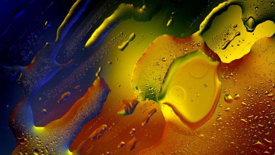 Color gradient water drops wallpaper