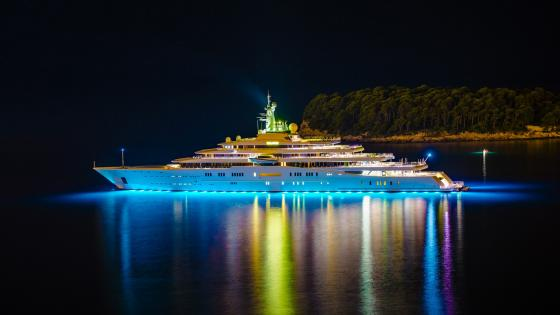 Luxury yacht wallpaper