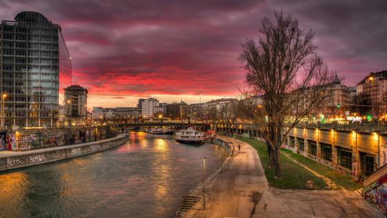 Sunsat at Vienna Danube Canal wallpaper