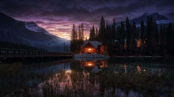 Emerald Lake - Yoho National Park, British Columbia wallpaper