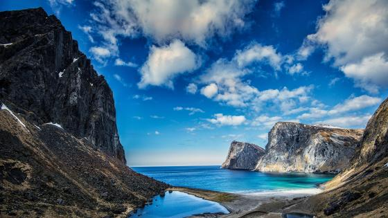 Norwegian Sea waterscape from Lofoten wallpaper