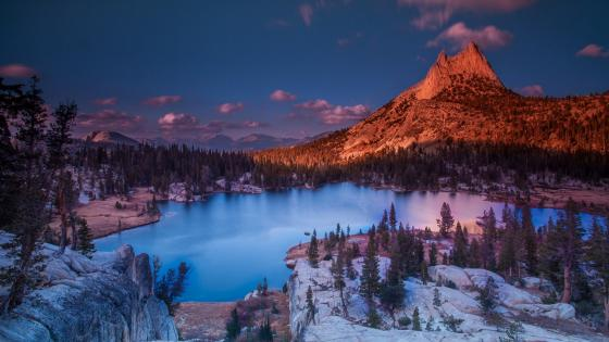 Cathedral Lake wallpaper