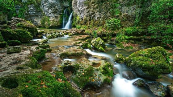 Tine de Conflens Waterfall and Venoge river - Canton de Vaud, Switzerland wallpaper