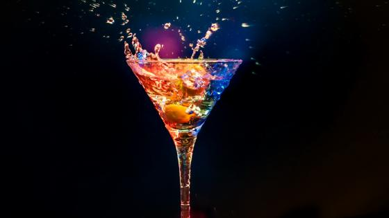 Martini splash wallpaper