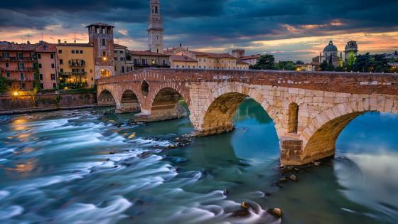 Ponte Pietra - Verona, Italy wallpaper
