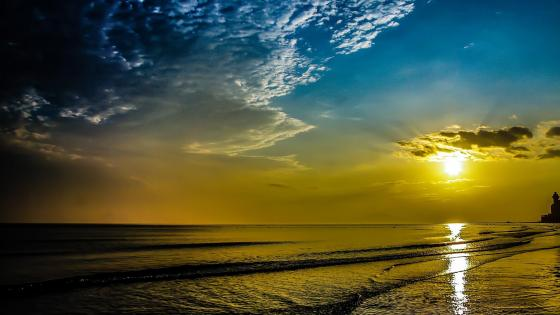 Golden sunset over the sea  wallpaper