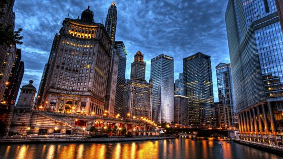 Skyscrapers along the Chicago River wallpaper