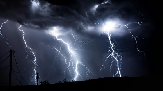 Thunderstorm with lightning strikes ️️️ wallpaper