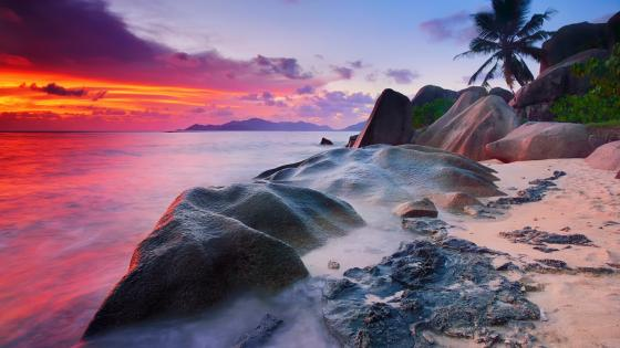 Sunset in the Seychelle Islands wallpaper