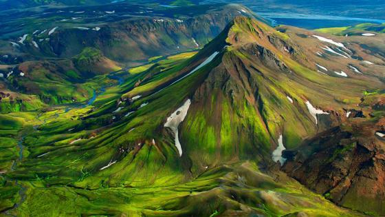 Landmannalaugar - Fjallabak Nature Reserve, Iceland wallpaper