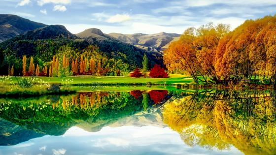 Incredible autumn reflection - Golf course in New Zealand wallpaper