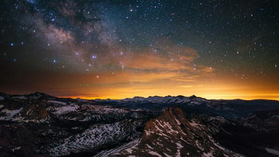 Milky way in the sunset over the Cathedral Range wallpaper