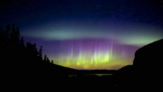 Colorful northern lights wallpaper