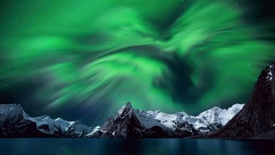 Aurora Borealis - Lofoten, Norway wallpaper