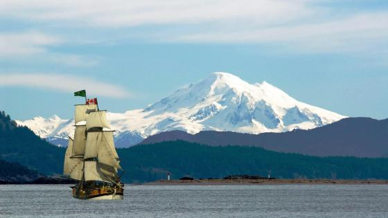 Mount Baker from the Pacific Ocean wallpaper