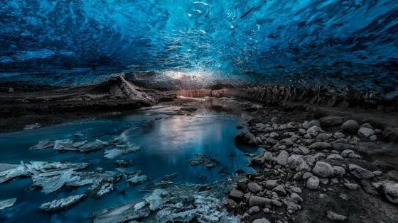 Vatnajökull ice caves, Vatnajökull National Park, Iceland wallpaper