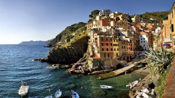 Riomaggiore - Liguria, Cinque Terre, Italy wallpaper