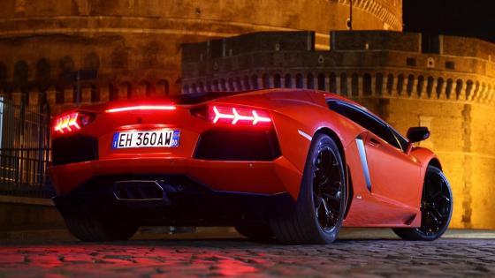 Red Lamborghini Aventador wallpaper