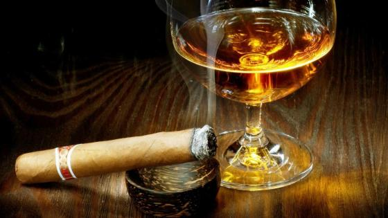 Cigar and cognac wallpaper