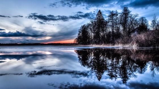 Beautiful winter reflection wallpaper