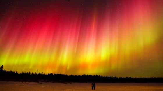 Northern Lights - a fiery dance in heaven wallpaper