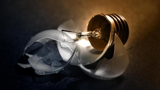 Broken light bulb wallpaper