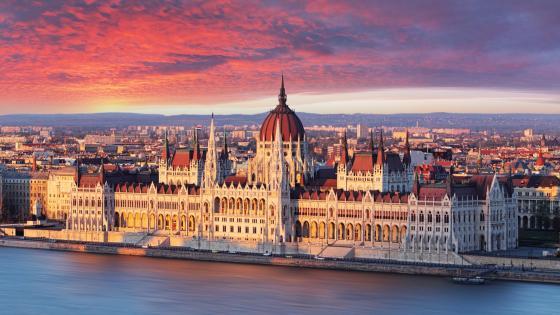 Hungarian Parliament Building wallpaper