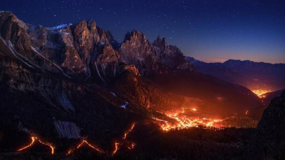 The lights of San Martino, Italy wallpaper