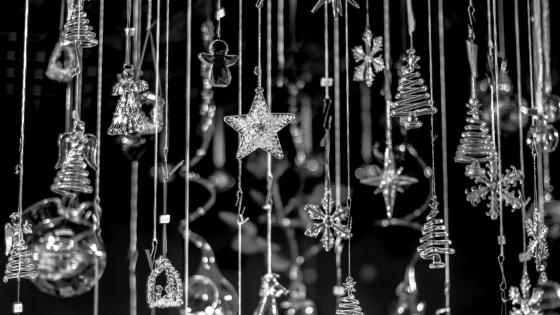 Black & white christmas decoration wallpaper