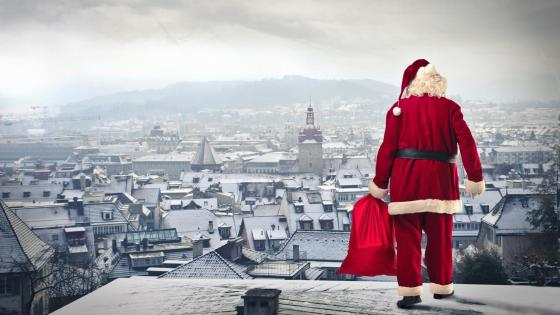 Santa Claus on the roof wallpaper
