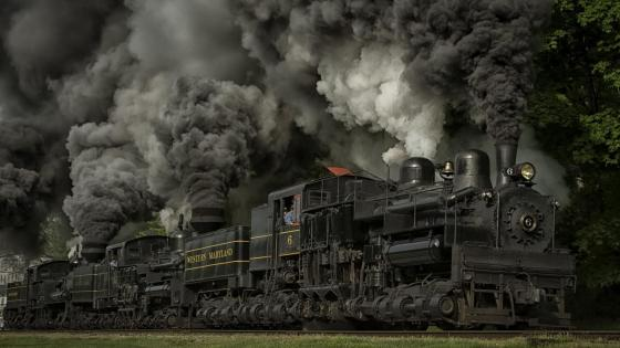 Powerful steam locomotive wallpaper