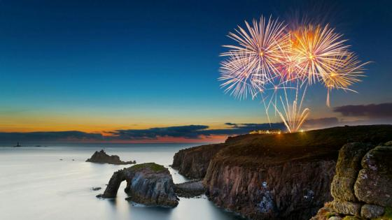 Fireworks at the Lands End wallpaper