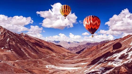 Hot air balloon ride near Leh Mountains - India wallpaper