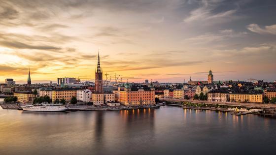 Gamla Stan at dusk - Stockholm, Sweden wallpaper