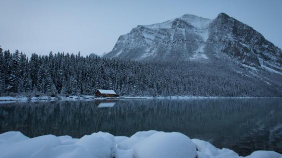 Lake Louise - Banff National Park wallpaper