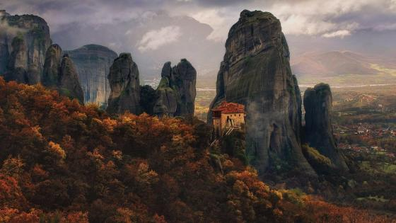 Monastery of Rousanou - Meteora, Greece wallpaper