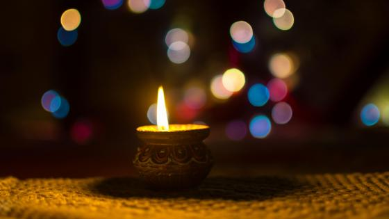 Candlelight with bokeh effect wallpaper