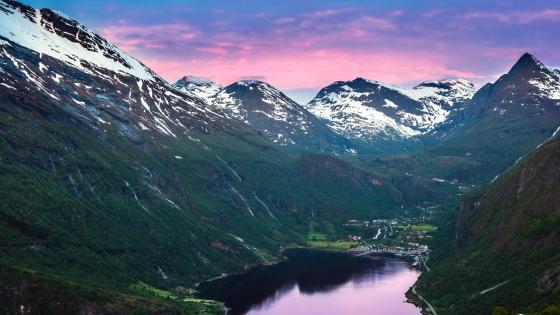 Geiranger - Norway wallpaper