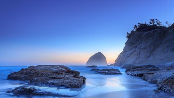 Pacific Ocean Blue Moment wallpaper