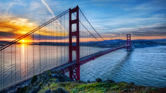 Golden Gate Bridge at sunrise wallpaper